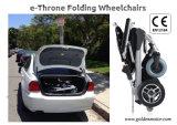 Золотистая кресло-коляска силы E-Трона мотора