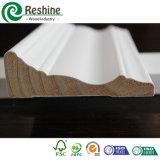 Moulage en bois intérieur décoratif amorcé par blanc