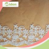 普及した柔らかい空想によって刺繍されるテュルの網のレース