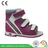 La santé de grace chausse des chaussures d'enfants de chaussures orthopédiques de gosse