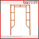 Caminhada de aço da construção através do sistema do frame do andaime