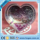 De plastic Bol van de Sneeuw van het Thema van de Liefde van het Frame van de Foto van de Bol van de Sneeuw Hart Gevormde Plastic met het Tussenvoegsel van de Foto