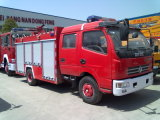 5000liters Dongfeng 상표 화재 싸움 유조 트럭