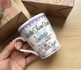 De in het groot Mok van de Gift van de Koffie van het Porselein in een Doos van de Gift