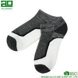 Mann-Sport-laufende kundenspezifische Baumwollknöchel-Socken