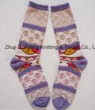 Calzini del tubo del cotone delle donne del jacquard del fiore lavorati a maglia commerci all'ingrosso della fabbrica