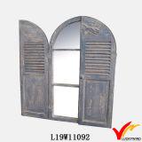 Espejo de madera agrícola decorativo del obturador de la decoración con los cajones