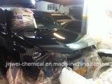El automóvil de la reparación del coche de Roch reacaba la pintura baja