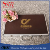 Los enchufes de fábrica, las cajas de la muestra hechas de la garantía de calidad de aluminio
