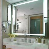 LEDの軽いバックライトを当てられた虚栄心ミラーの照らされた浴室ミラー