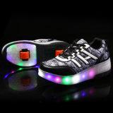 Helle grelle Rolle die 2016 Kind-LED bereift Rochen-Sport-Turnschuh-heiße Verkaufs-Qualität eine Rad-Rollen-Rochen-Schuh-Aktien von China