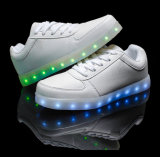 USB luminoso que encarga los zapatos ligeros del LED del color cambiable 11
