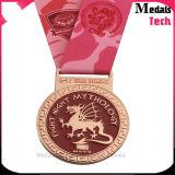 Подгонянные покрынные золотом медали металла спортов мягкой эмали яркия блеска идущие