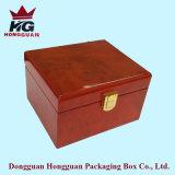 Il contenitore di regalo di legno per monili