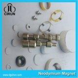 De aangepaste Goedkope Sterke Dunne Kleine Magneet van het Neodymium van de Magneten van de Schijf N52 Decoratieve