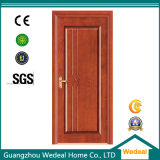 MDF (WDP5044)が付いている内部の木製のドア