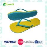 Slippers delle signore con EVA Sole e PVC Straps