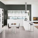 2015普及した白いラッカー及びMDFの食器棚デザイン