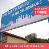 Bandeira ao ar livre relativa à promoção do vinil do engranzamento do PVC para anunciar