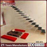 木階段(DMS-6024)を浮かべる現代家の内部