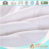 China-Lieferanten-Hotel-synthetische füllende Polyester-Gewebe-Matratze-Auflage