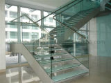 Interior Escada de vidro reta em branco / escada de madeira flutuante de segurança