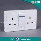 Interruptor y socket eléctricos dobles de la pared 13A de Igoto Al9013