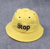 綿の子供または赤ん坊のバケツの帽子の子供の日曜日の帽子