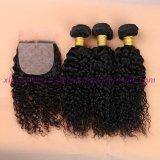 8A等級のアンプレストインドの深い巻き毛の絹の基礎閉鎖はとの束が付いている100%の人間の毛髪の絹の基礎閉鎖を束ねる