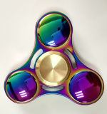 Personnaliser le fileur anti-stress de doigt en métal de triangle de jouet de gyroscope d'arc-en-ciel