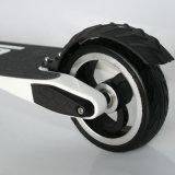 """Liga de alumínio que dobra o """"trotinette"""" elétrico com o pneu de 5 polegadas"""