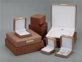 Caixa de couro da pérola do plutônio de Brown e caixa do pendente