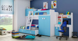 A mobília colorida atrativa a mais atrasada do quarto das crianças