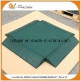 Tuiles en caoutchouc de cour de jeu de couvre-tapis en caoutchouc antichoc de plancher avec les chevilles en plastique