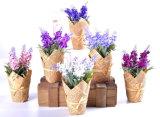 Ramo púrpura de la lavanda de la flor artificial para las decoraciones del hogar y de la boda en bolsa de papel