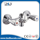 Двойник регулирует установленные палубой Faucets кухни воды Spout Swiving