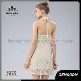 Frauenhalter-Ansatzknit-Strickjacke-Kleid