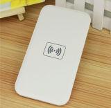 Ultrathin 무선 전화 충전기는 힘 자체 Qi 무선 힘 은행을 저장할 수 없다