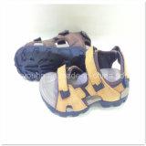 Sapatas novas da sandália da praia das sapatas das sandálias dos homens