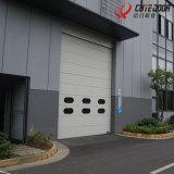 Панель пены PU поднимает вверх промышленный секционный гараж сползая нутряную дверь с Windows