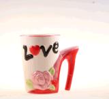 Tasse de café faite sur commande en céramique drôle de cuvette de thé avec la chaussure gîtée