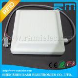 ゲート管理のための長距離UHF RFIDの統合的な読取装置