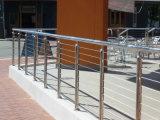 屋外のバルコニーデザインのためのミラーの終わりのステンレス鋼の手すりの柵