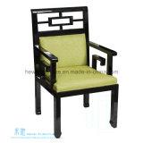 Chinesische Art-hölzerner gepolsterter Hotel-Stuhl mit dem Arm (2117C)