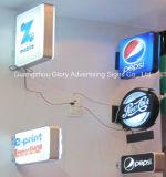 Muestra del LED que hace publicidad del rectángulo ligero