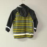Light Yellowi Stripe PU Revestimento de chuva reflexivo para crianças / bebê