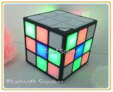 공장 가격 신제품 LED 가벼운 Rubik 입방체 Bluetooth 스피커 소형 스포츠 무선 Bluetooth 스피커 (ID6025)