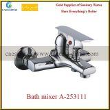 Sanitarios pared de latón montado mezclador de cocina fregadero del agua