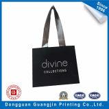 Cor preta saco de compra de papel laminado com logotipo de prata