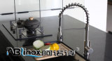 Retirando el grifo sanitario de la cocina de las mercancías del acero inoxidable 304 (AB136)